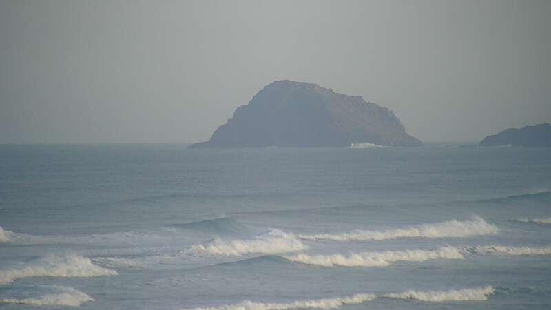 Latest webcam still for Holywell Bay